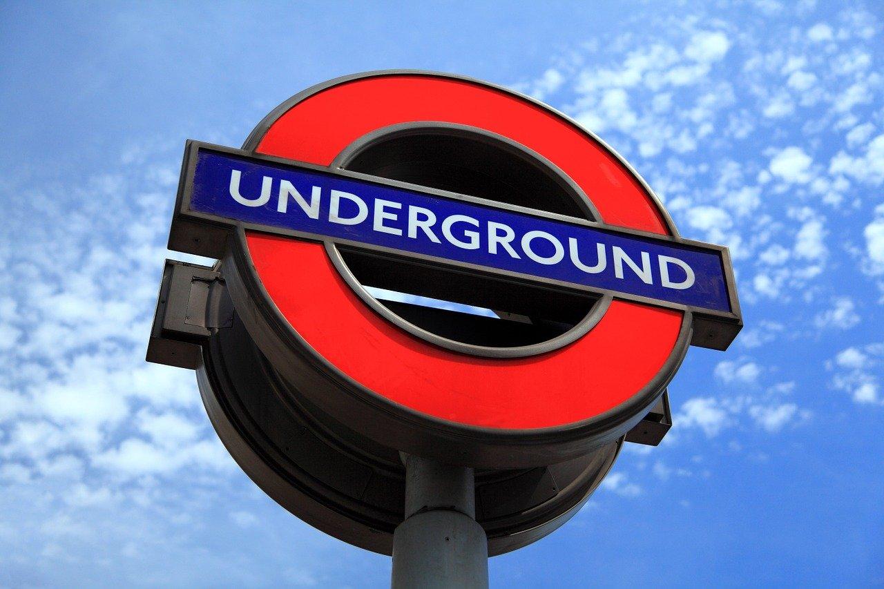 Equipaje de mano para viajar a Londres ¿Qué te hace falta?