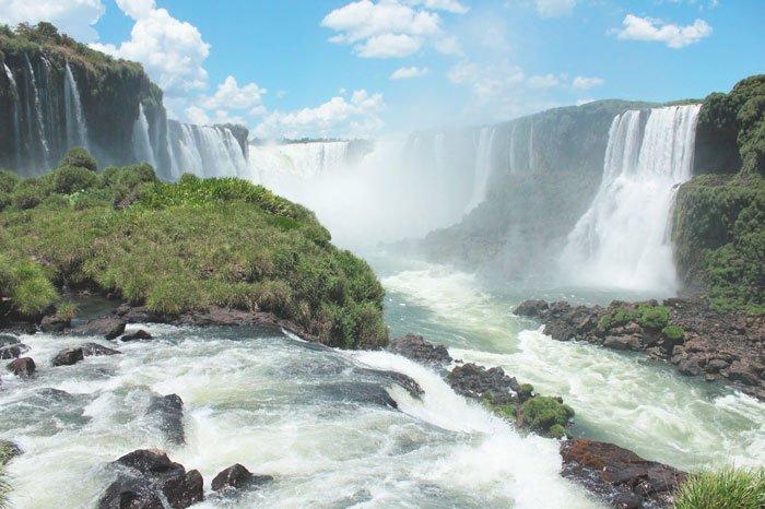 ir a las cataratas del iguazú en argentina