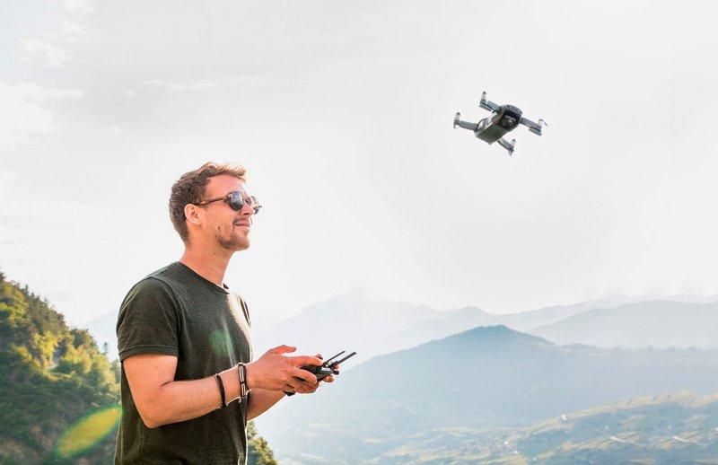 Llevar un dron en el equipaje de avión ¿Qué debes saber?