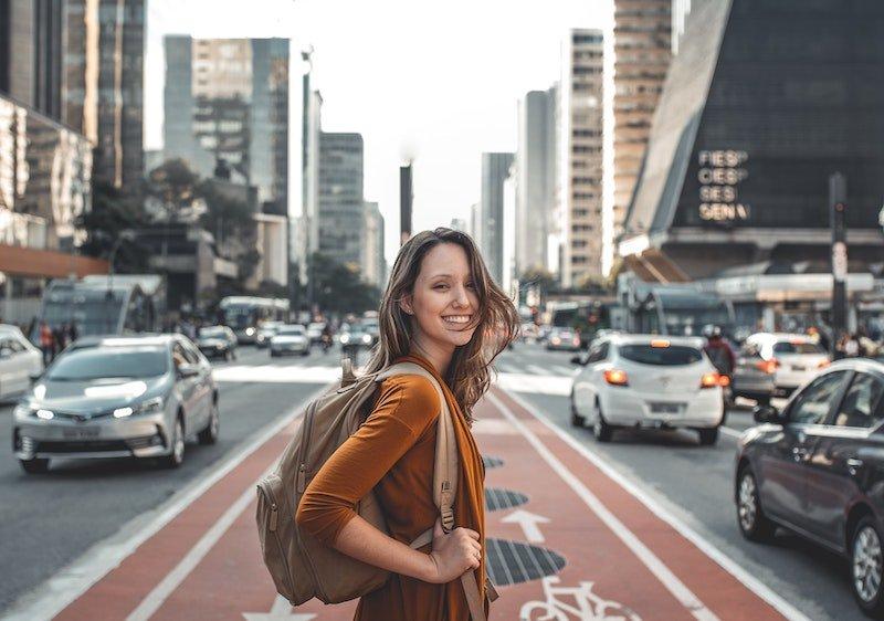 10 Mujeres viajeras en Instagram que te inspirarán y motivarán